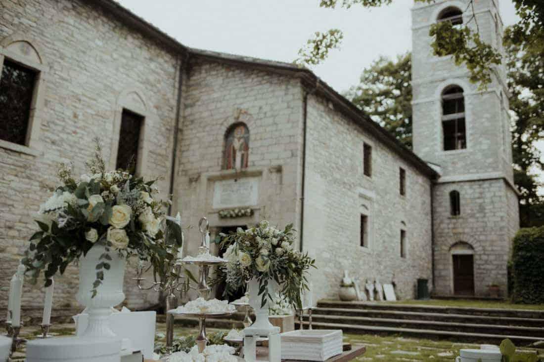 wedding decoration with white roses