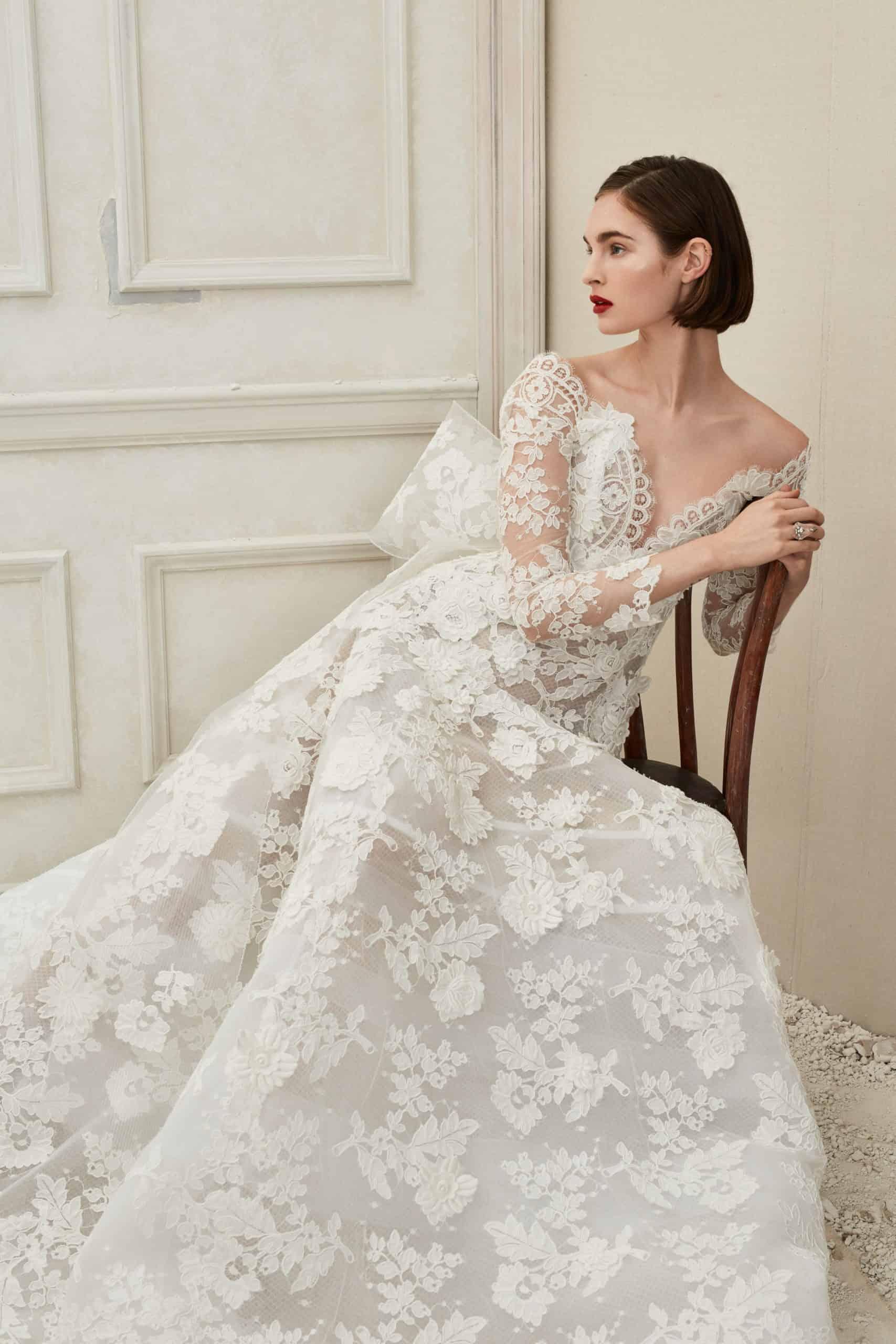 lace wedding dress with a back bow fall 2019 by Oscar de la Renta