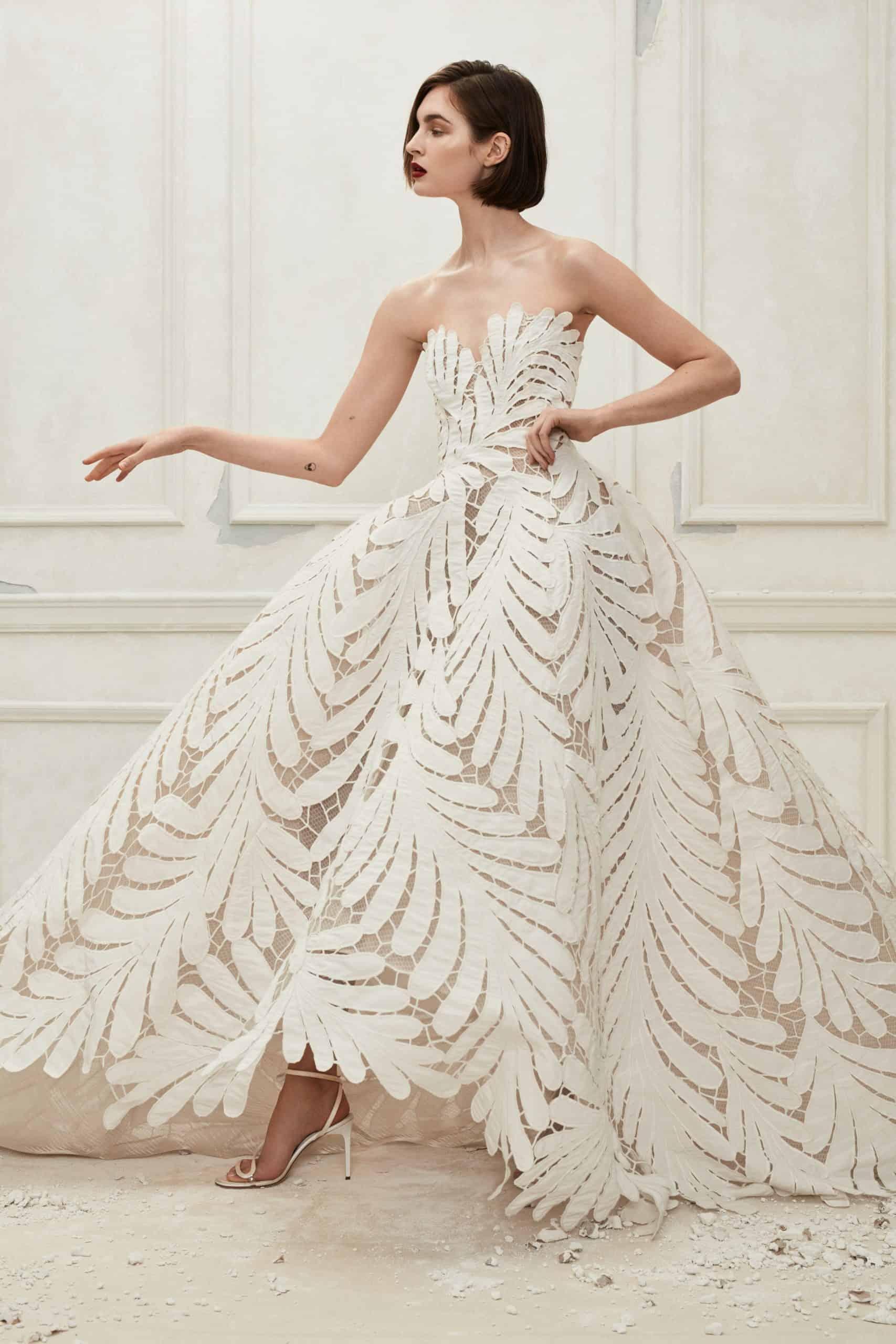 strapless laced wedding dress fall 2019 by Oscar de la Renta