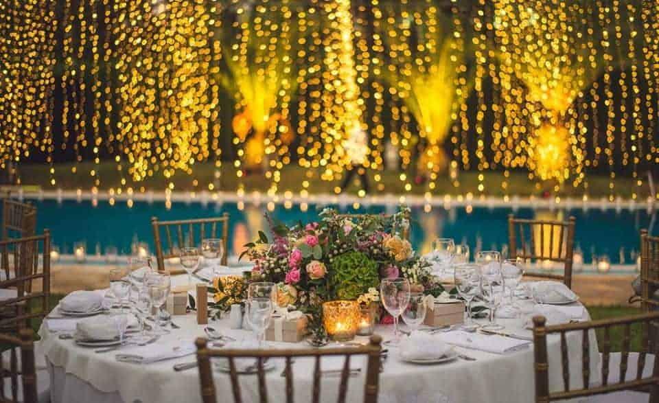 πραγματικός γάμος στη Κύπρο στον κήπο, διακόσμηση γαμήλιου δείπνου