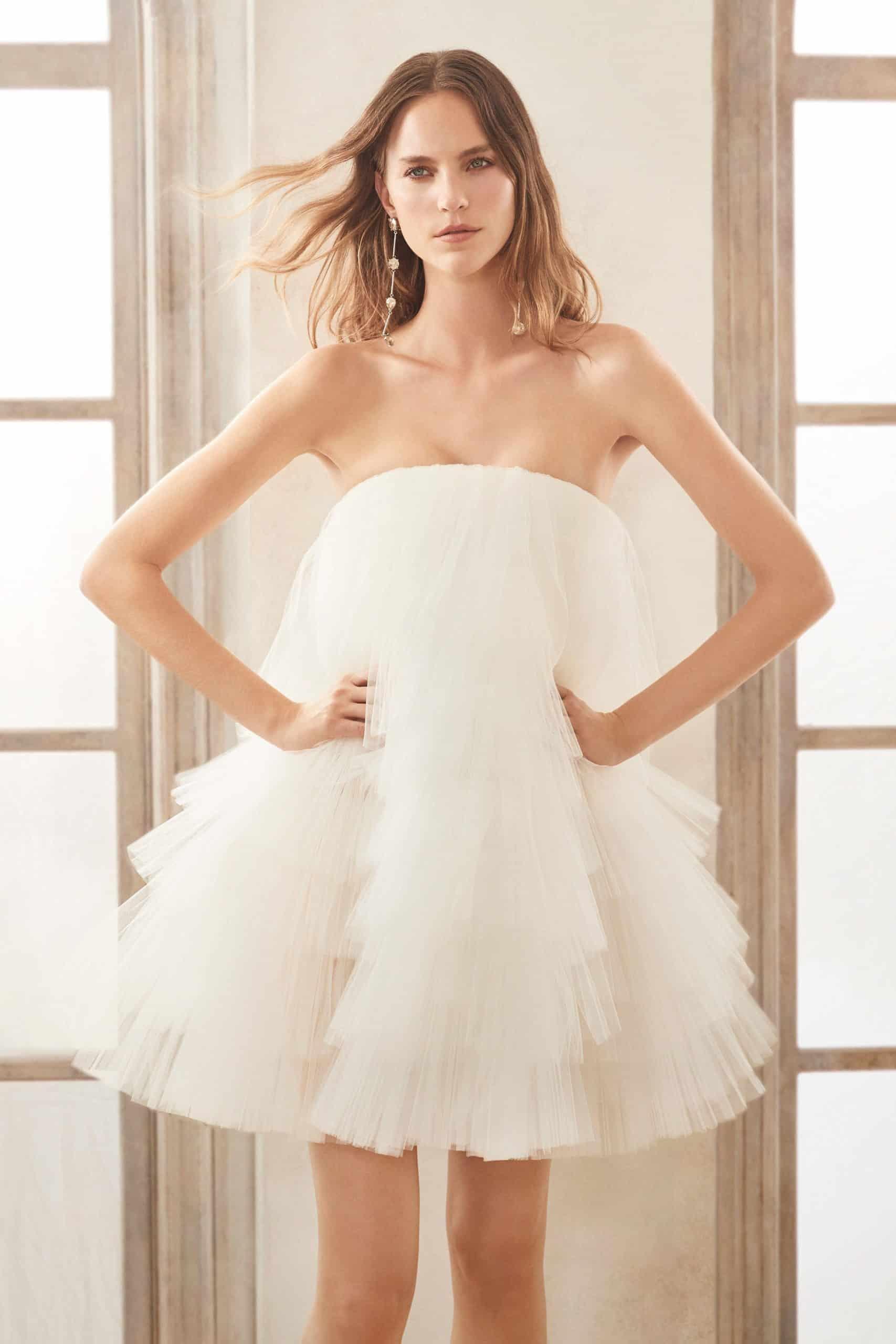 short tulle wedding dress by Oscar de la Renta