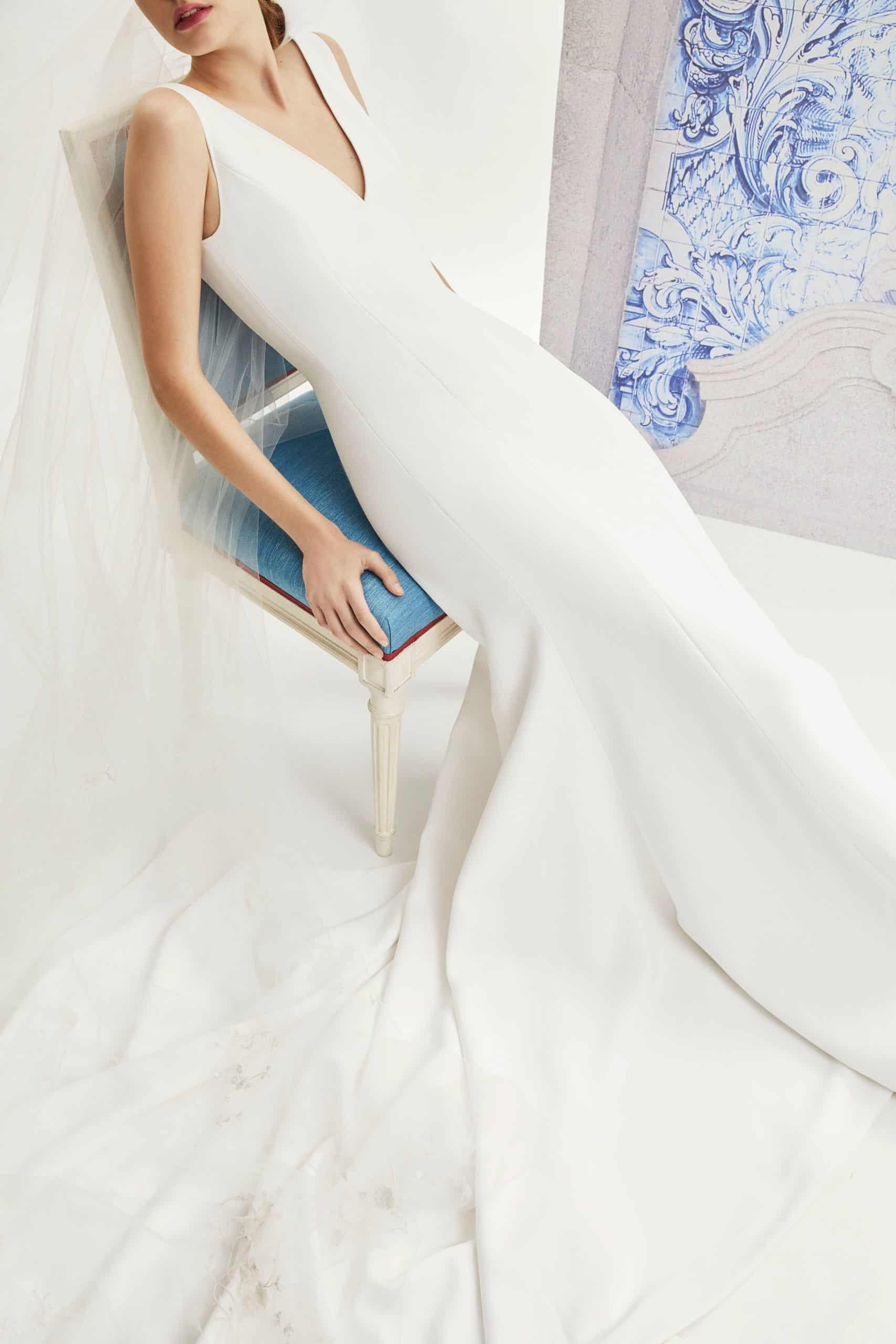 wedding dress like Meghan Markle collection fall 2019 by Carolina Herrera