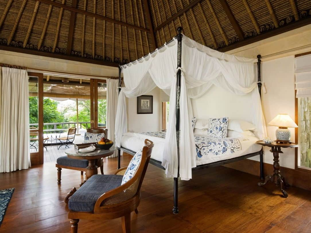 honeymoon top 10 romantic hotels Como Shambhala Estate in Bali