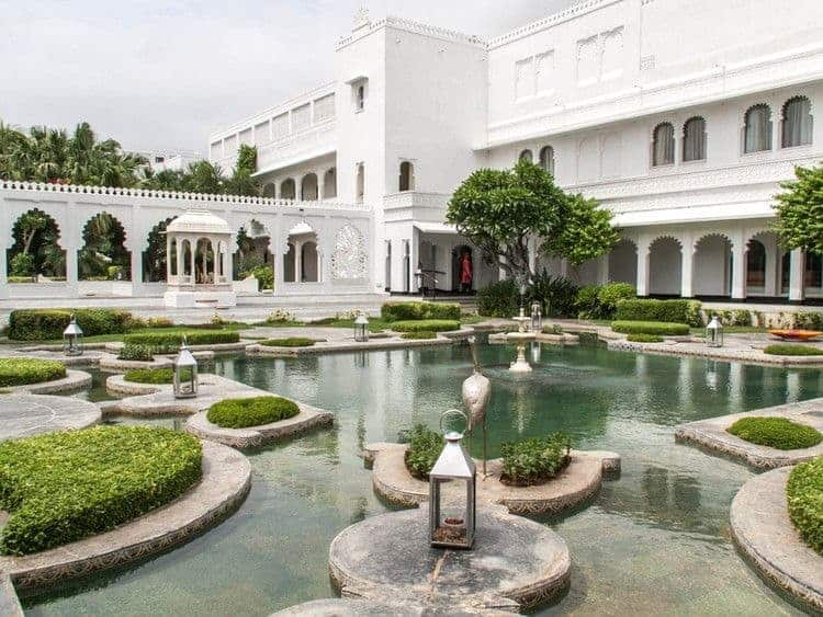 honeymoon top 10 romantic hotels Taj Lake Palace in India