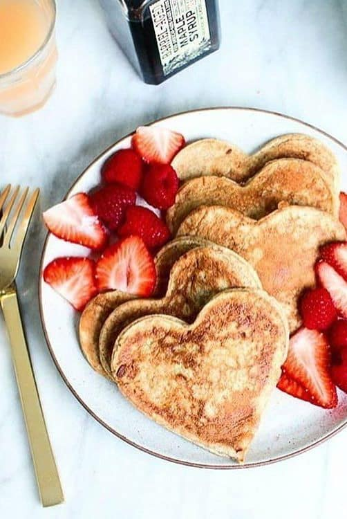 crepe in heart shape with strawberries
