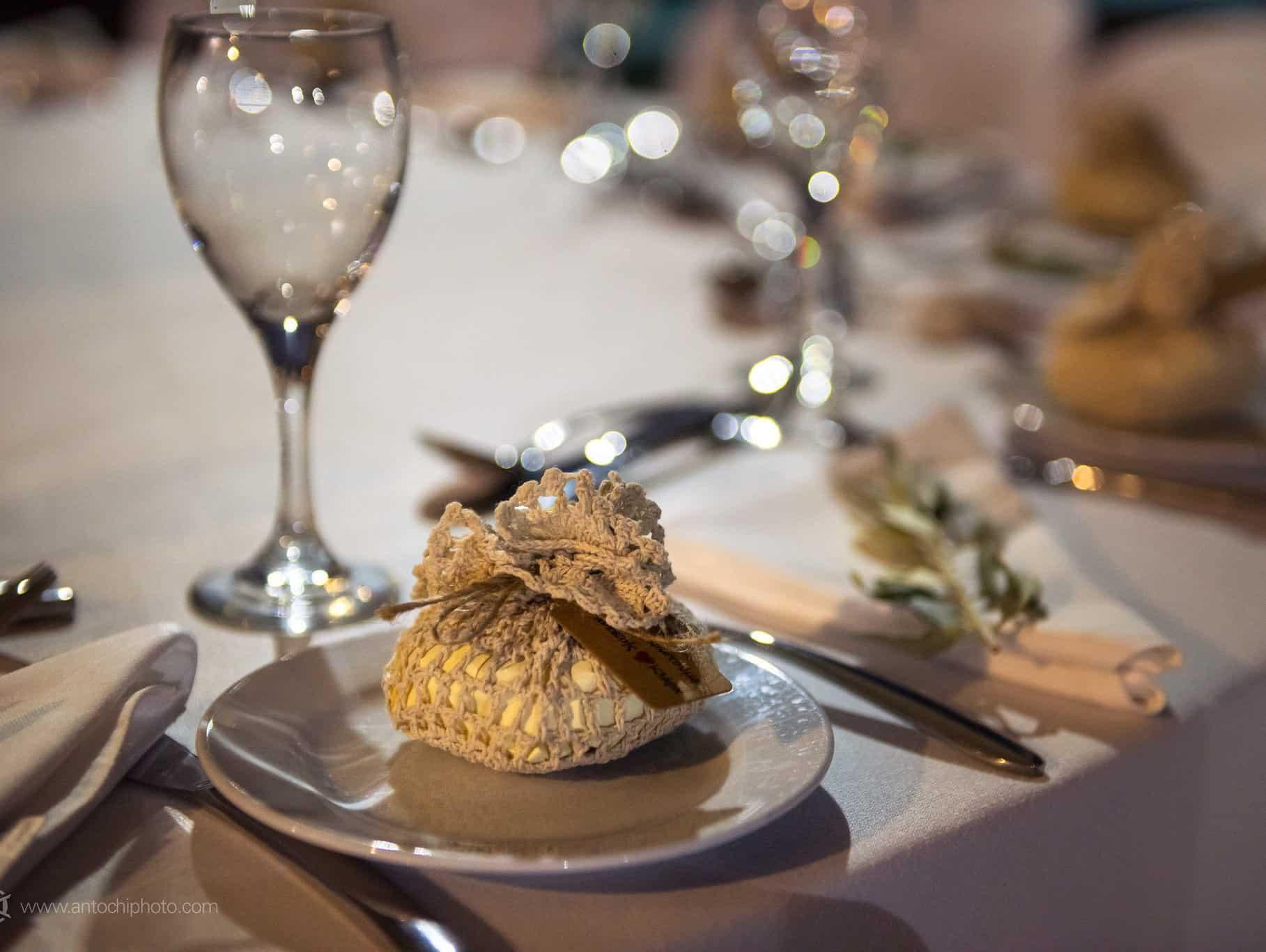πραγματικός γάμος στη Κύπρο διακόσμηση τραπεζιού