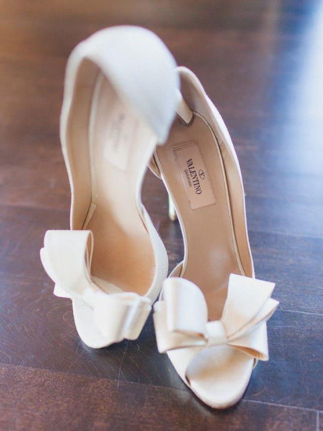 νυφικά παπούτσια λευκά με φιόγκο