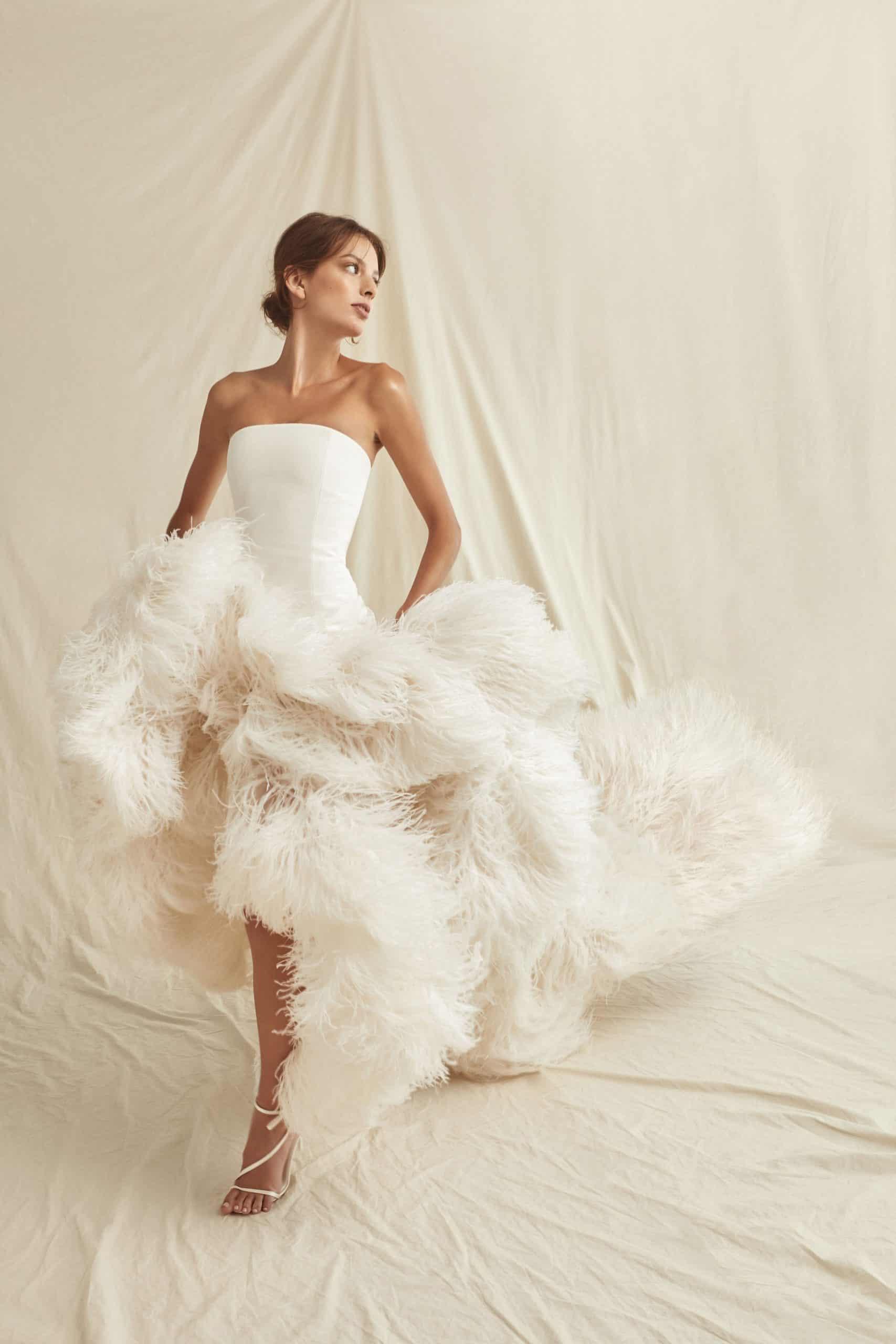 wedding dresses by Oscar de la Renta