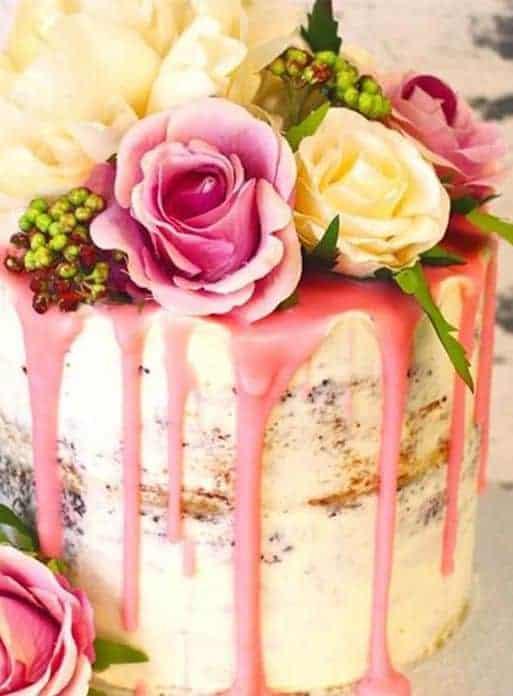 γαμήλια τούρτα με λουλούδια