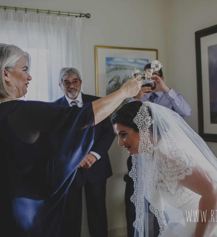 πραγματικός γάμος στη Κύπρο προετοιμασία της νύφης