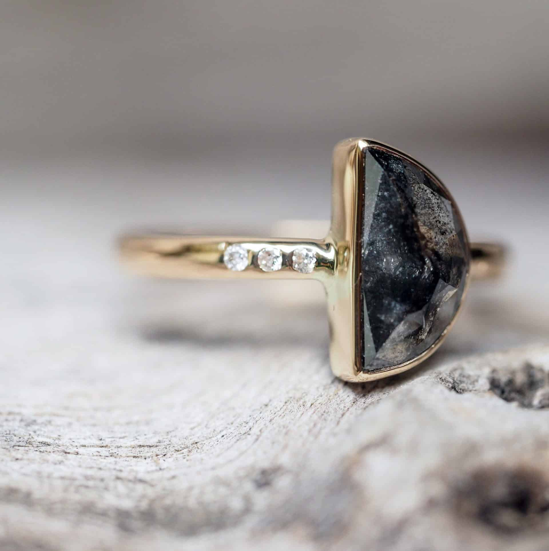 unique wedding ring with black stone