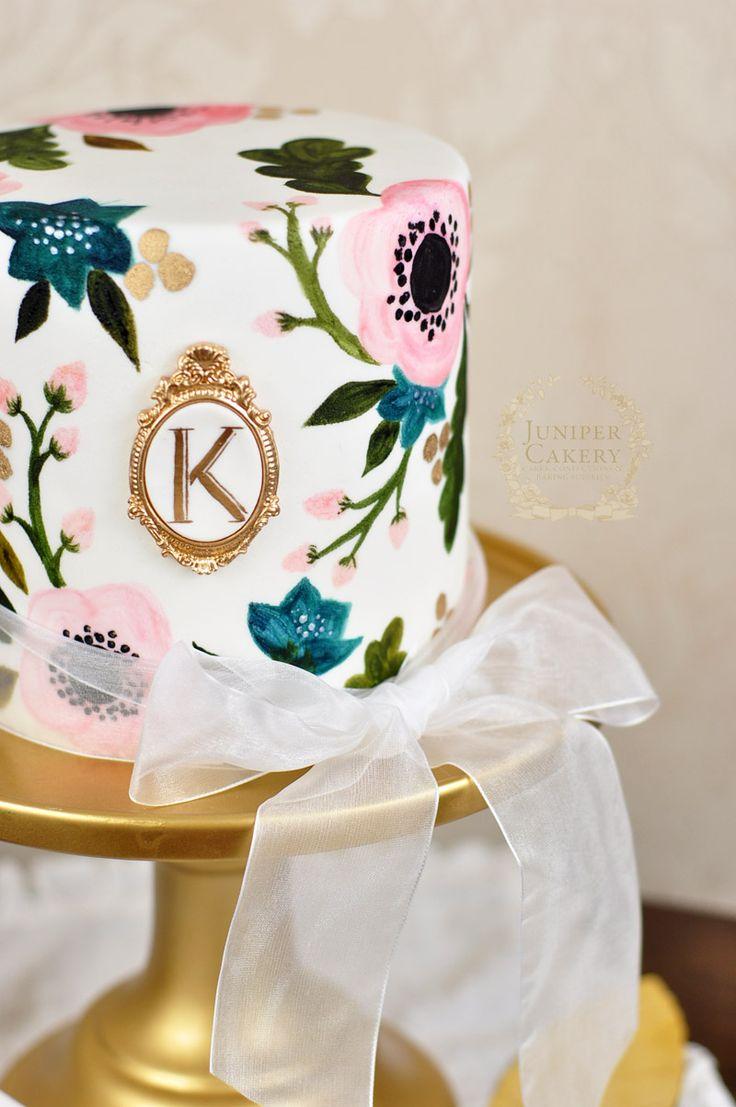 γαμήλια τούρτα με ζωγραφισμένα λουλούδια