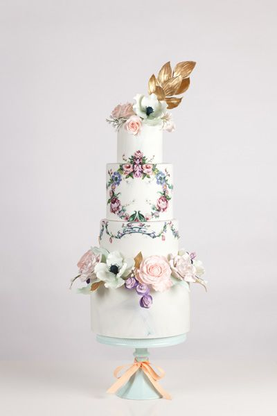 floral wreath painted wedding cake