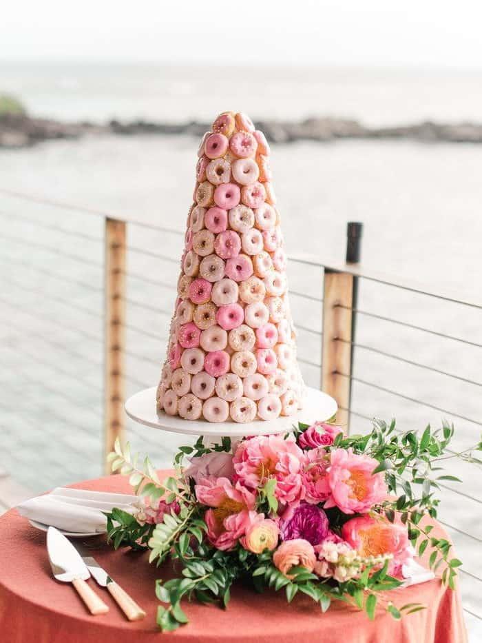 γαμήλια τούρτα από donuts