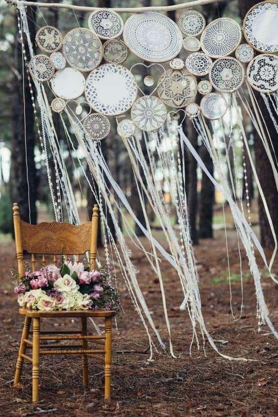 διακόσμηση γάμου με κρεμαστές ονειροπαγίδες