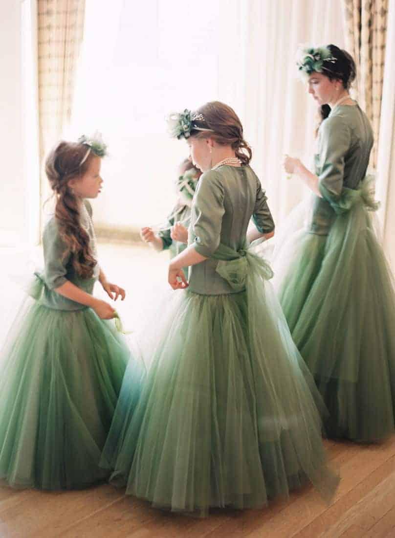 παρανυφάκια με πρασίνα φορέματα
