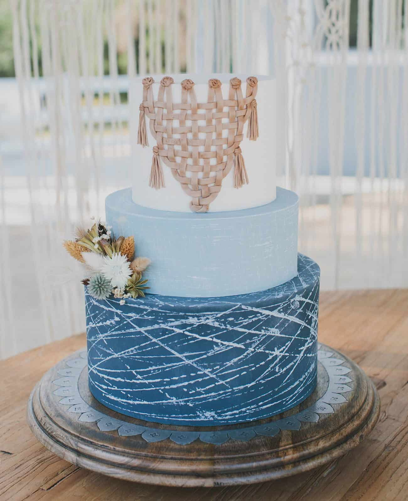 wedding cake with crochet details