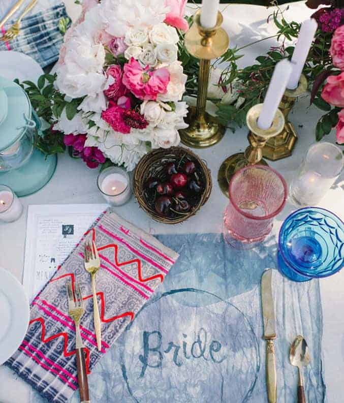 summer wedding table decoration with pink flowers