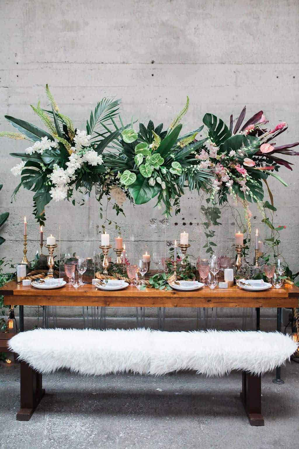 wedding decoration with tropical theme