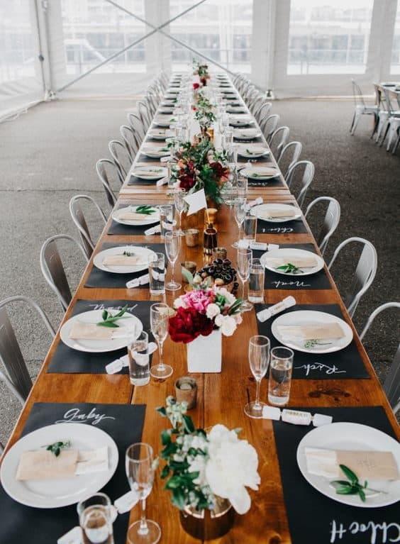 διακόσμηση πιάτου για το γαμήλιο δείπνο