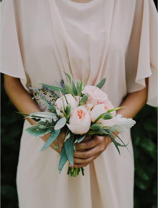fountain-shaped wedding bouquet