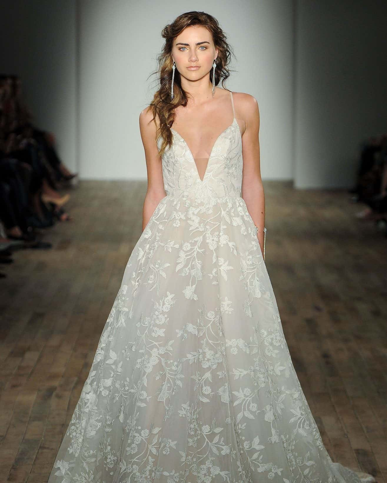 a -shape wedding dress with airy skirt for pear shaped brides