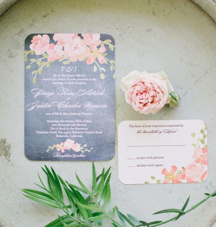 γαμήλια πρόσκληση με μαύρο φόντο