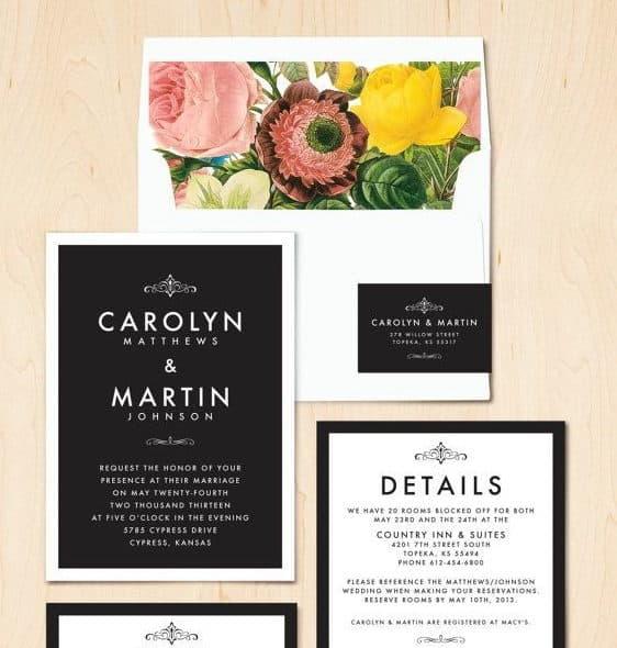 μαυρόασπρο προσκτήριο γάμου σε λουλουδάτο φάκελο