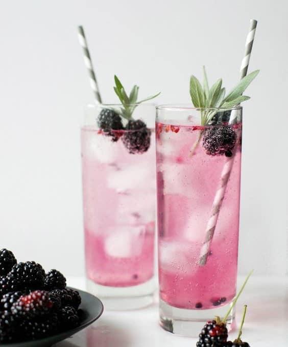 wedding summer cocktail with blackberries
