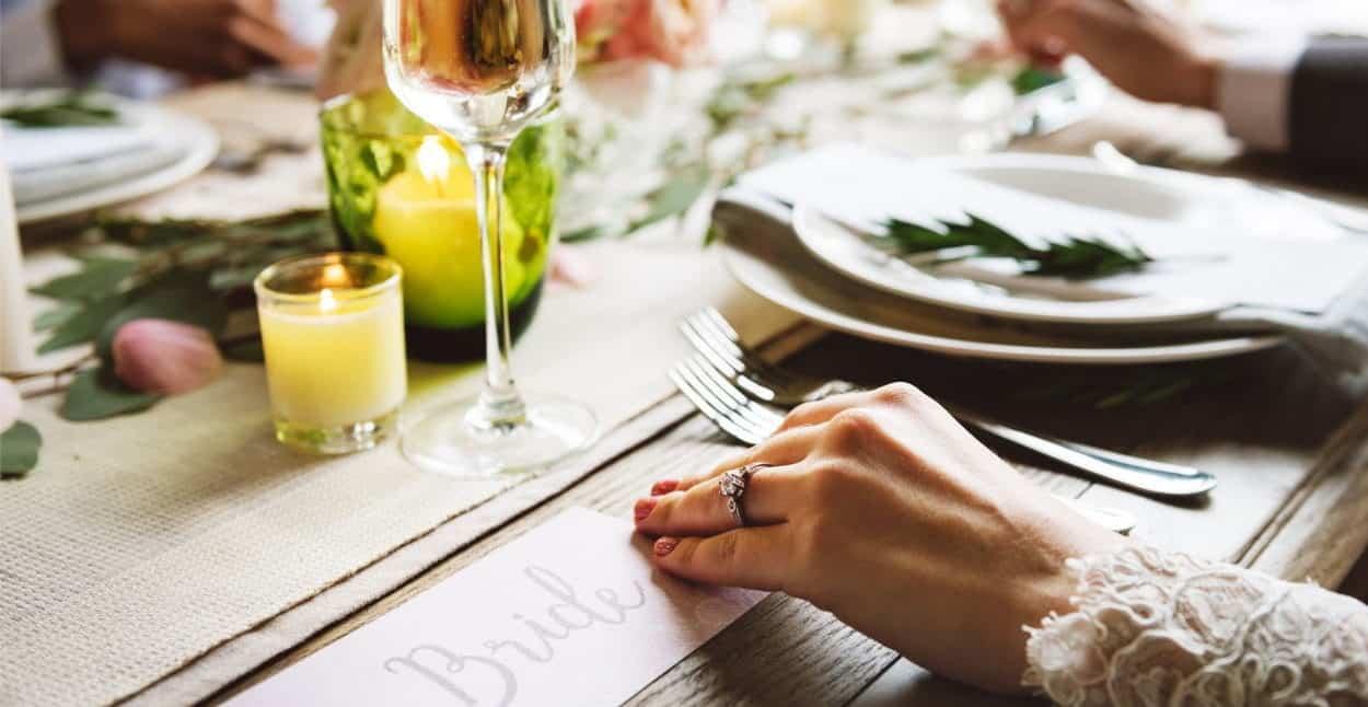 η θέση της νύφης στο γαμήλιο δείπνο